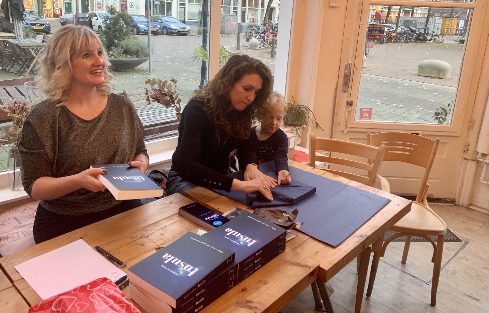 Ze lanceert haar eerste fantasy roman: INSULA – Het boek van Efra
