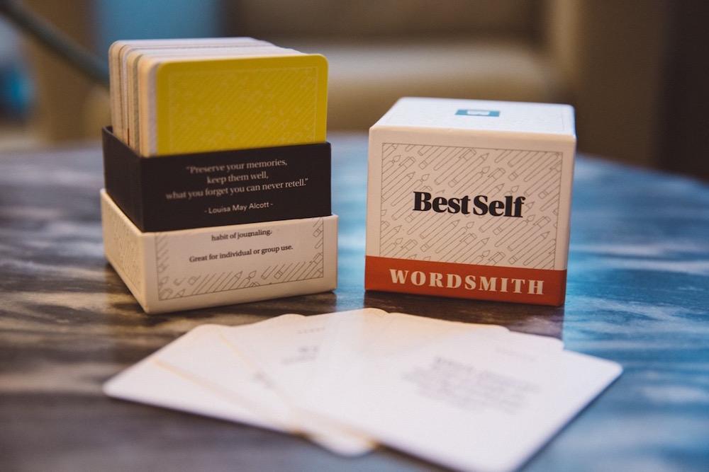 Een kaartendeck met schrijfinspiratie