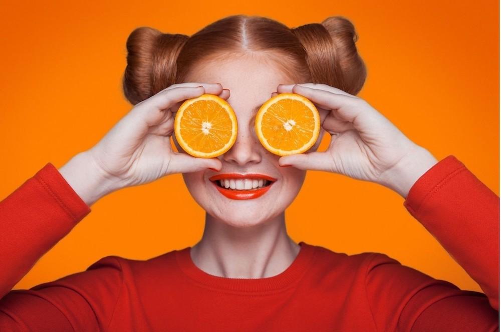 Je gaat op vakantie en alles kleurt oranje!